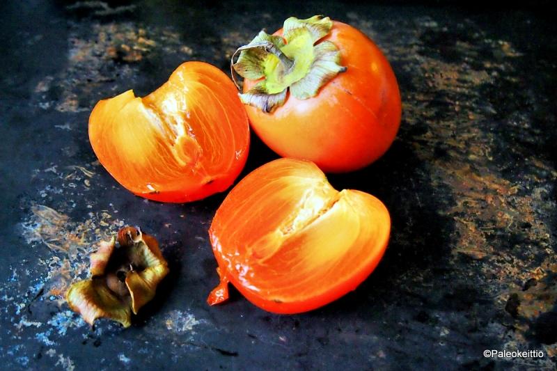 Fruity persimmon smoothie | paleokeittio.fi