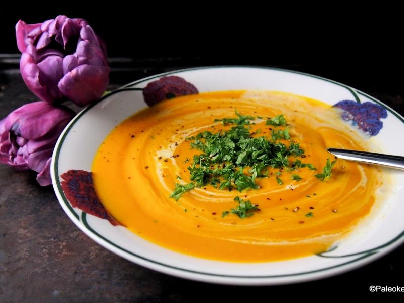 Thaimaalainen porkkanasosekeitto | paleokeittio.fi