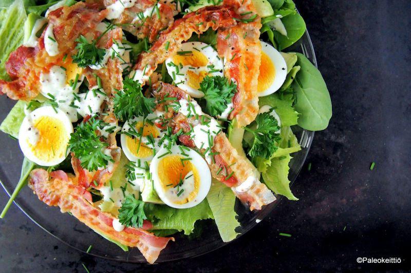 Pinaatti-pancetta -salaatti | paleokeittio.fi