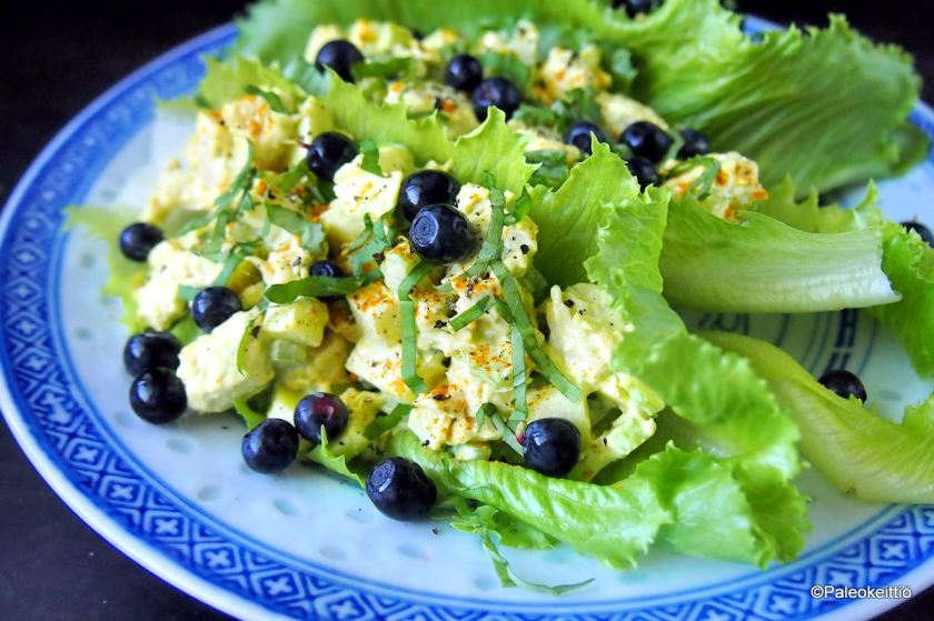 Currymaustettu broileri-majoneesisalaatti | paleokeittio.fi
